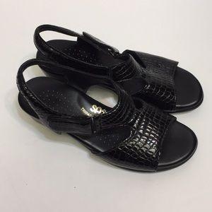 SAS Black Patent Leather Sandal. Size 5 1/2